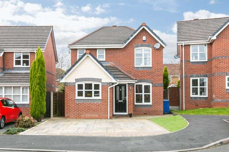 3 Bedrooms Detached House for sale in Storwood Close, Orrell, WN5 8SD