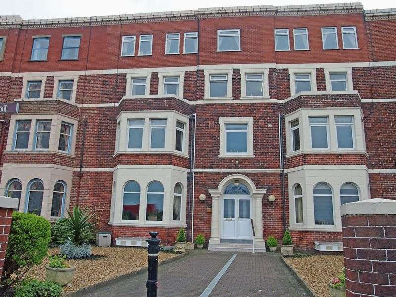 2 Bedrooms Flat for sale in Marine Road East, Morecambe