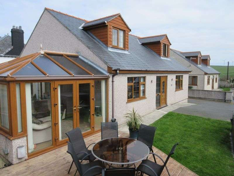 3 Bedrooms Detached House for sale in Gongl Y Rhedyn Estate, Cemaes Bay