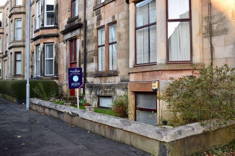 2 Bedrooms Flat for sale in Ardgowan Street, Greenock, Renfrewshire, PA16
