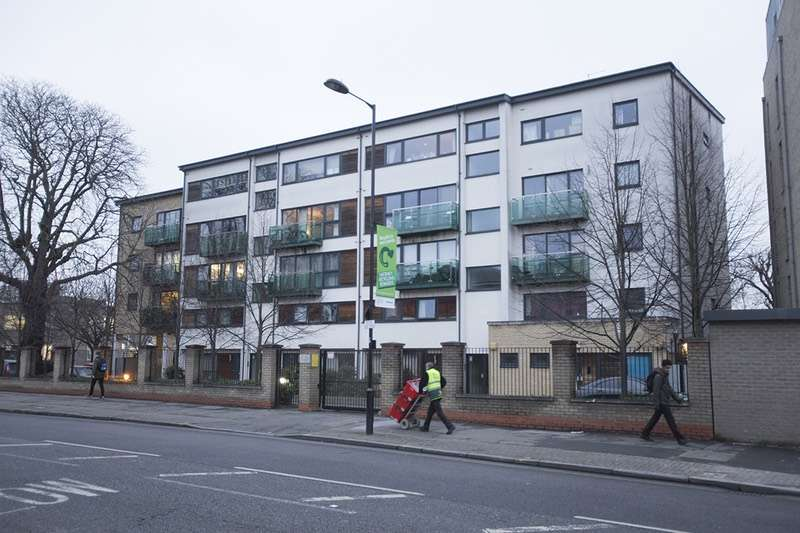2 Bedrooms Flat for sale in Green Lanes, London, London, N4