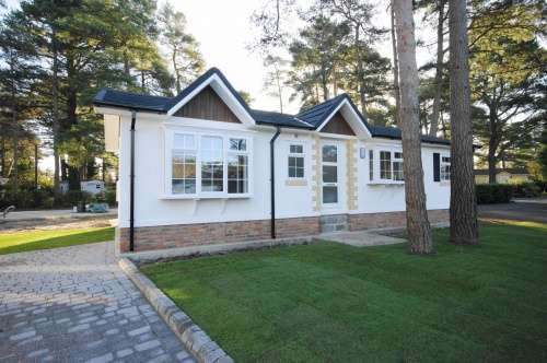 2 Bedrooms Park Home Mobile Home for sale in Drakes Road, Lone Pine Park, Ferndown