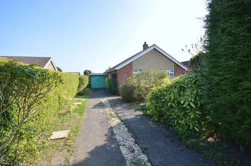 2 Bedrooms Detached Bungalow for sale in Bishopstone