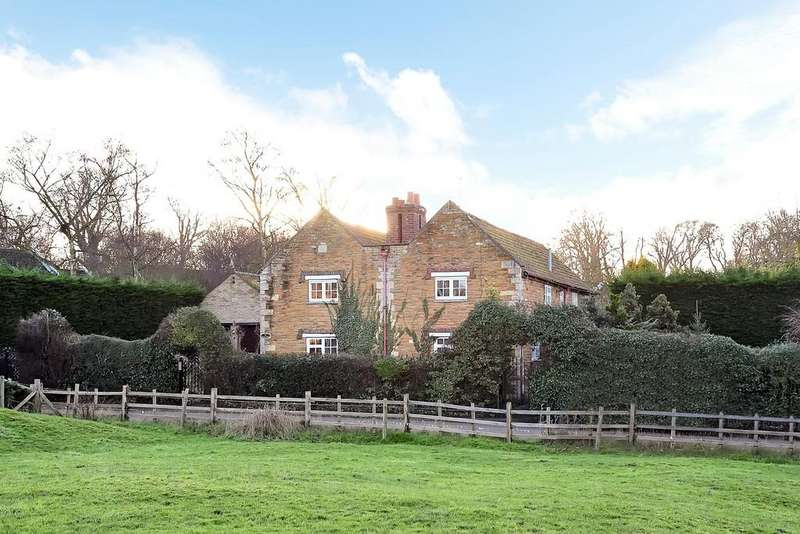 6 Bedrooms Detached House for sale in Main Street, Denton