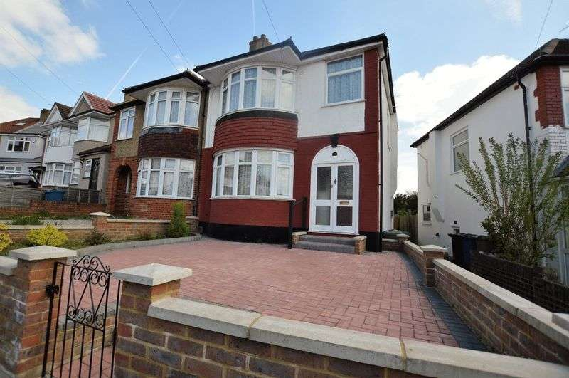 3 Bedrooms Semi Detached House for sale in Bengarth Drive, Harrow