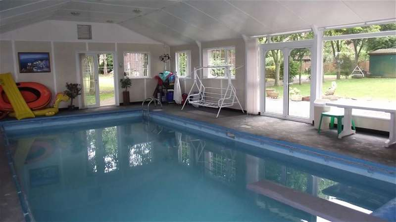 5 Bedrooms Property for sale in Woodland Court, CARNABY, East Riding Of Yorkshire, YO15