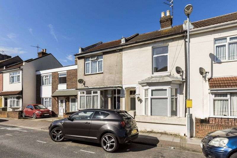 3 Bedrooms Terraced House for sale in Fawcett Road, Southsea