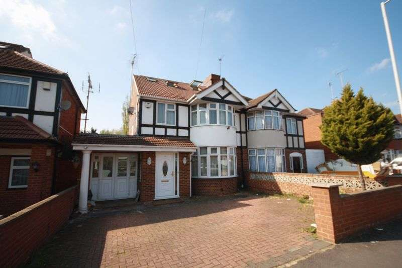 4 Bedrooms Semi Detached House for sale in Delamere Road, Hayes