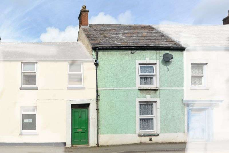 3 Bedrooms Terraced House for sale in Barn Road, Carmarthen