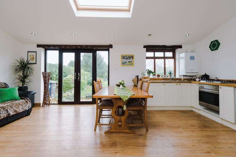 4 Bedrooms House for sale in Broad Lane, Grappenhall