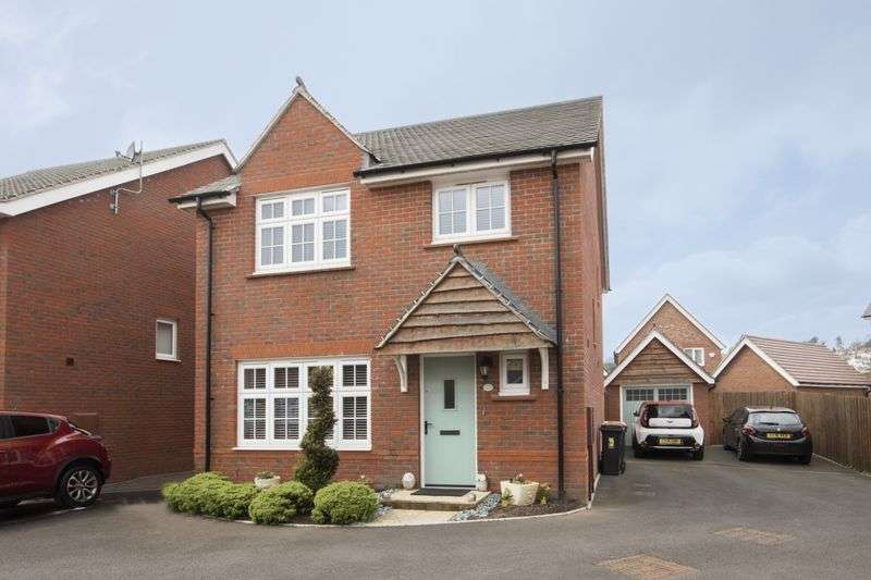 4 Bedrooms Detached House for sale in Downton Hall Close, Newport