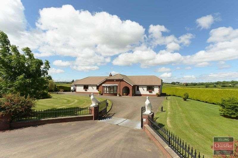 4 Bedrooms Bungalow for sale in 14 Lisleen Road East, Gilnahirk, Belfast, BT23 5QB