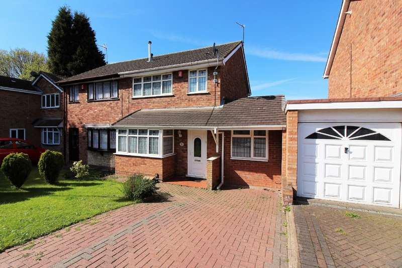 3 Bedrooms Semi Detached House for sale in Lydney Close, Willenhall