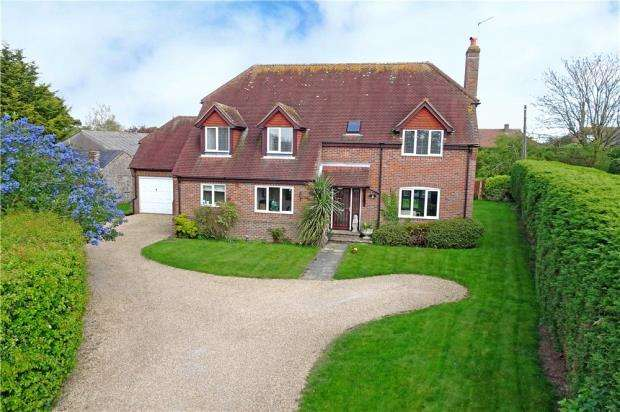 5 Bedrooms Detached House for sale in Honey Lane, Angmering, West Sussex, BN16