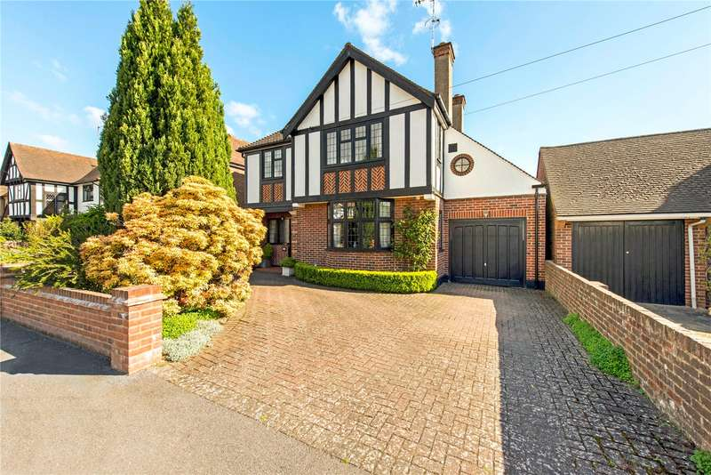 3 Bedrooms Detached House for sale in Cassiobury Drive, Watford, Hertfordshire, WD17