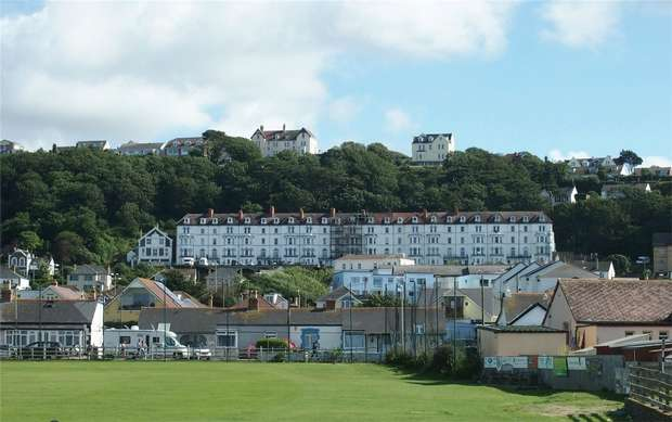 2 Bedrooms Flat for sale in Kipling Terrace, WESTWARD HO!, Devon