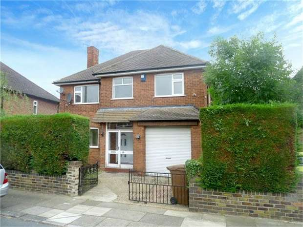 4 Bedrooms Detached House for sale in Westminster Drive, Grimsby, Lincolnshire