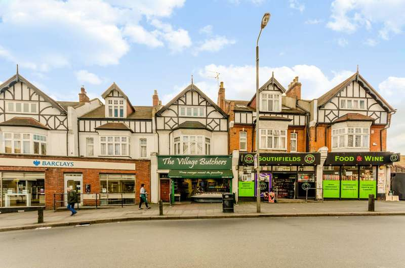 3 Bedrooms Flat for sale in Replingham Road, Southfields, SW18