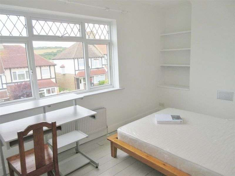 5 Bedrooms Semi Detached House for rent in Bevendean Crescent, Brighton