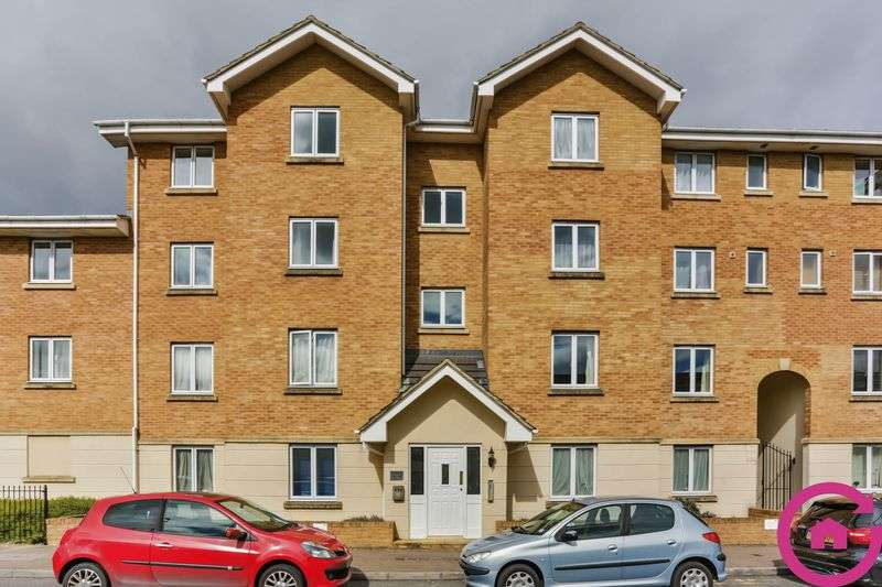 2 Bedrooms Flat for sale in Banyard Close, Cheltenham