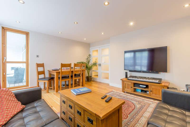 2 Bedrooms Apartment Flat for rent in Camden, London