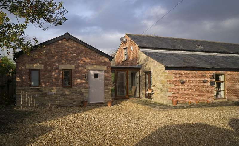 5 Bedrooms Barn Conversion Character Property for sale in Pygons Hill Lane, Lydiate