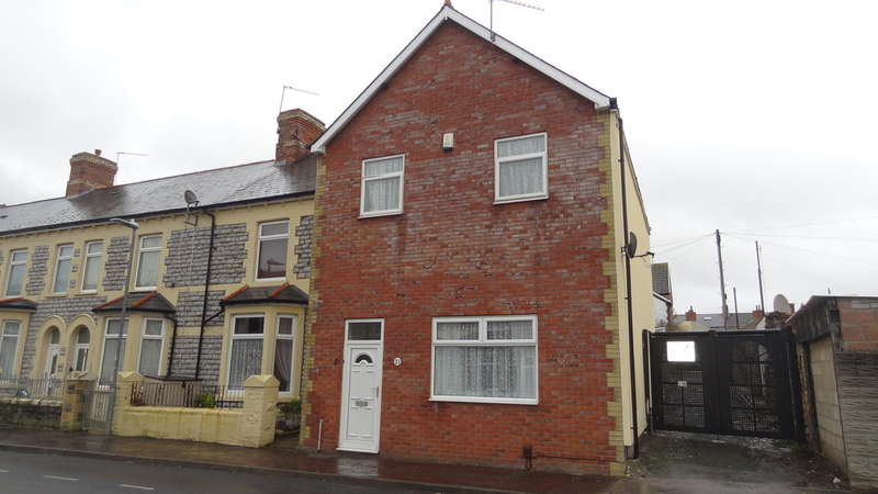 4 Bedrooms End Of Terrace House for sale in St Marys Avenue, Barry