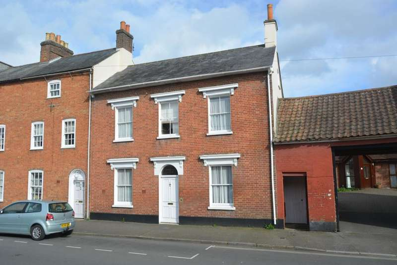 4 Bedrooms Town House for sale in WIMBORNE