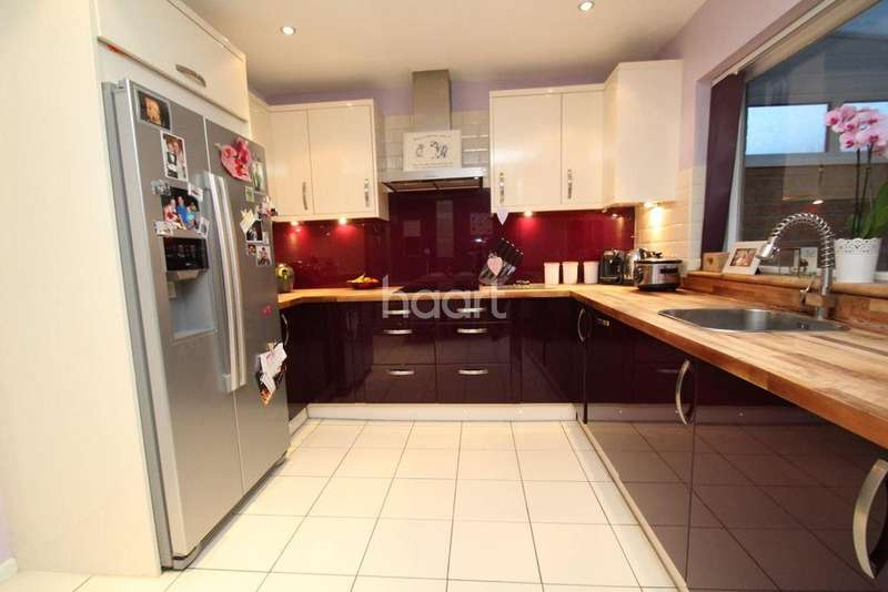 3 Bedrooms End Of Terrace House for sale in Goodwin Drive, Kimberley