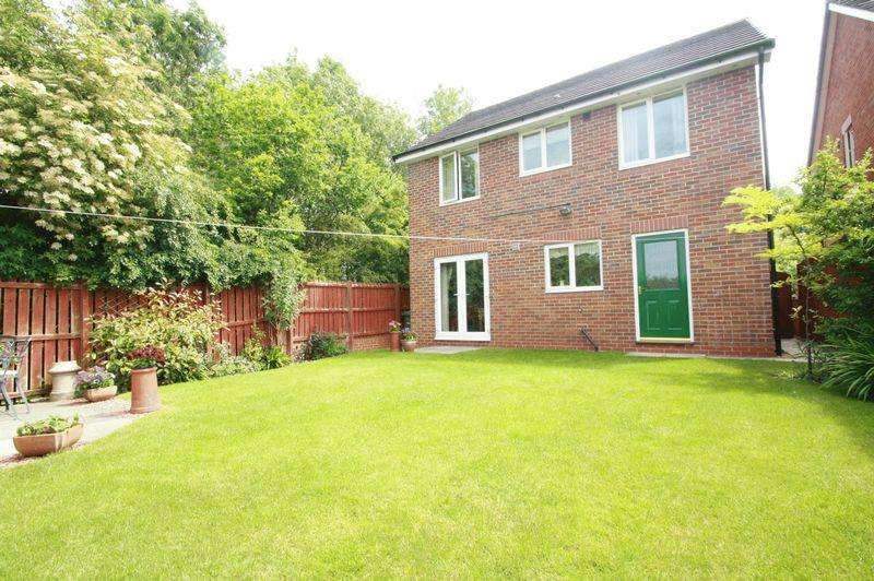 4 Bedrooms Detached House for sale in Poppy Lane, Stockton, TS19 8FL