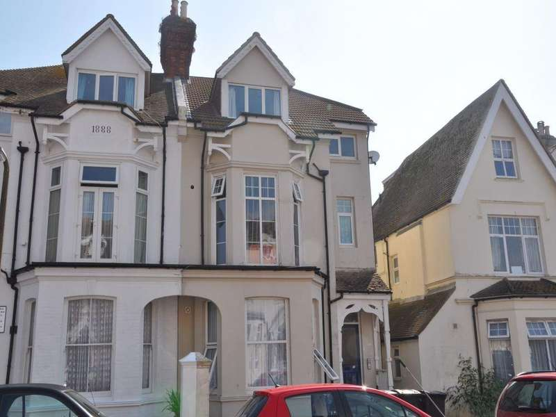 2 Bedrooms Flat for sale in Eversley Road, Bexhill On Sea, TN40