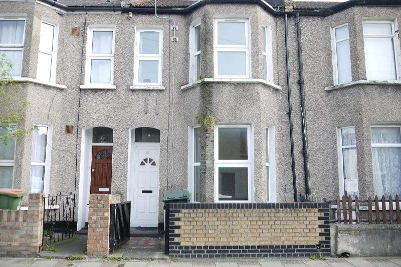 3 Bedrooms Terraced House for sale in London Road, Plaistow, London, Greater London. E13 0DF