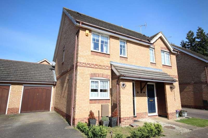 2 Bedrooms Semi Detached House for sale in Rivets Close, Lavender Grange