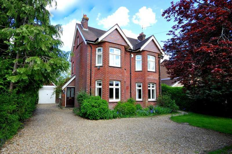 4 Bedrooms Detached House for sale in Northfield Road, Ringwood, BH24 1SS
