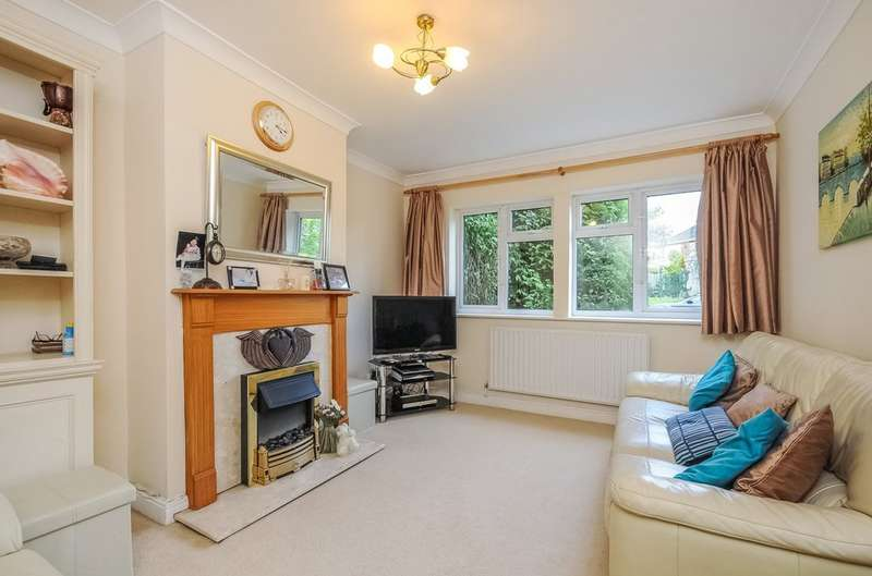 2 Bedrooms Ground Maisonette Flat for sale in The Flats , Wiltshire Lane, Pinner
