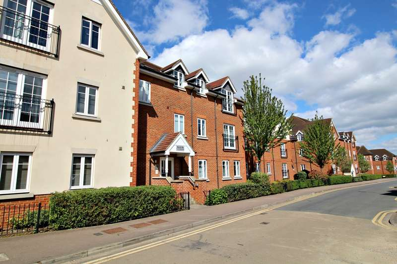 1 Bedroom Ground Flat for sale in Whinbush Road, Hitchin, SG5