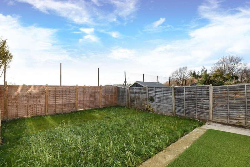 4 Bedrooms Semi Detached House for sale in Broadmead, Bellingham, SE6