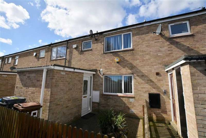3 Bedrooms Terraced House for sale in Staines Close, Ings Road Estate, Hull, HU8