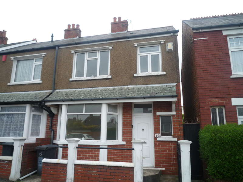 3 Bedrooms End Of Terrace House for sale in Llanover Street, Barry