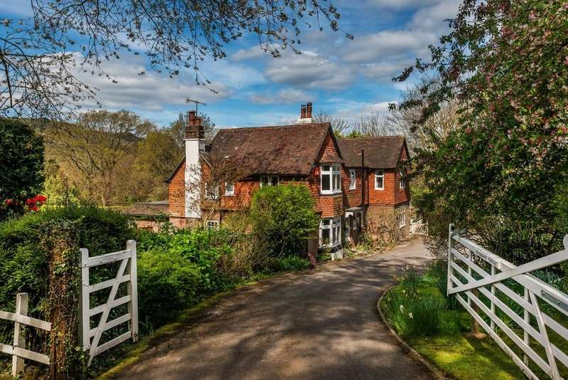 4 Bedrooms Cottage House for sale in Grayswood Road, Grayswood