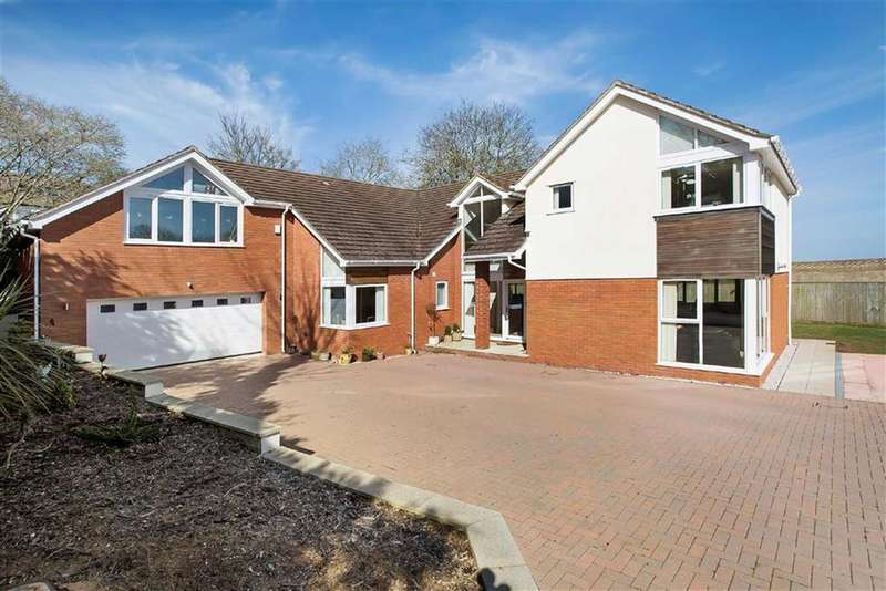 5 Bedrooms Detached House for sale in Shorton Road, Preston, Paignton, Devon, TQ3