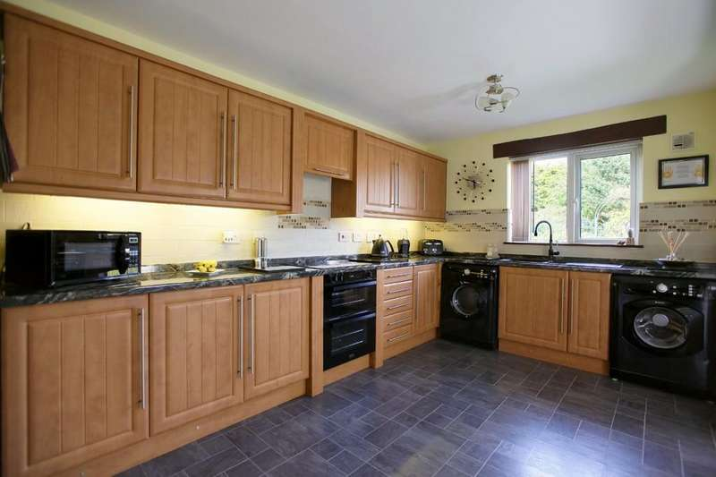 3 Bedrooms Semi Detached Bungalow for sale in Holly Road, Kesgrave
