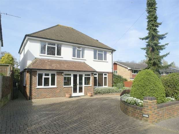 4 Bedrooms Detached House for sale in Holmwood Road, Cheam