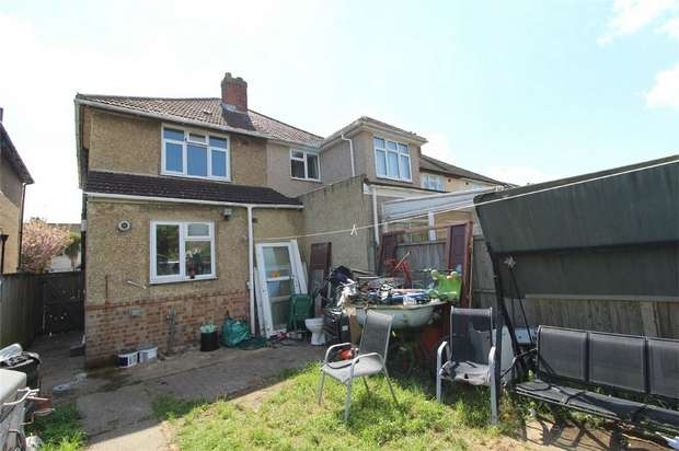 2 Bedrooms Semi Detached House for sale in Hamilton Road, Feltham, Middlesex