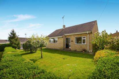 3 Bedrooms Bungalow for sale in Paynes Meadow, Whitminster, Gloucester, Gloucestershire
