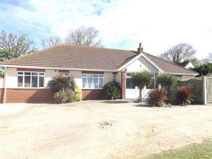 4 Bedrooms Bungalow for sale in Mundesley, Norwich, Norfolk