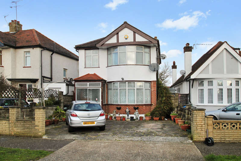3 Bedrooms Detached House for sale in Oakleigh Avenue, Surbiton