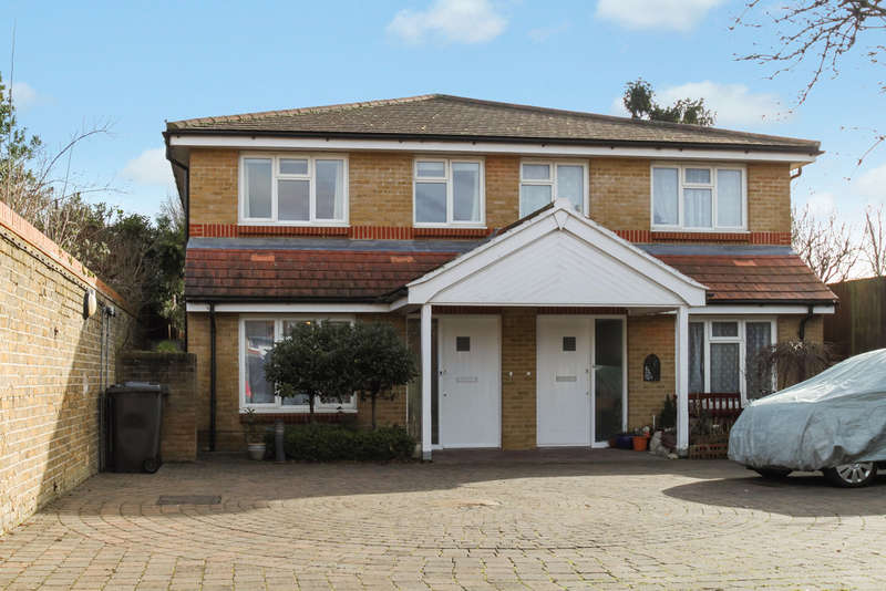 3 Bedrooms Semi Detached House for sale in Inglewood Mews, Surbiton