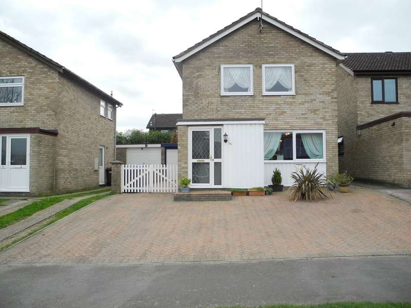 3 Bedrooms Detached House for sale in Coney Hill, Beccles