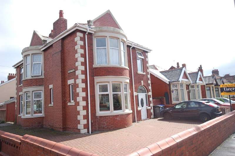 4 Bedrooms Detached House for sale in Central Drive, South Shore